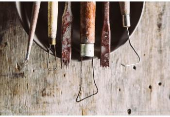 Outils modelage & sculpture argile: ebauchoir, mirette
